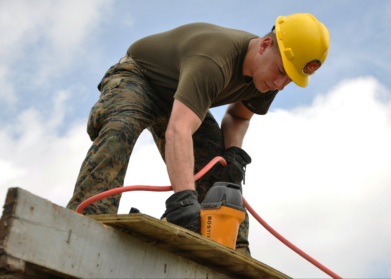 worker-635755_1280